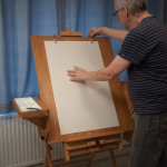 Easel assistant